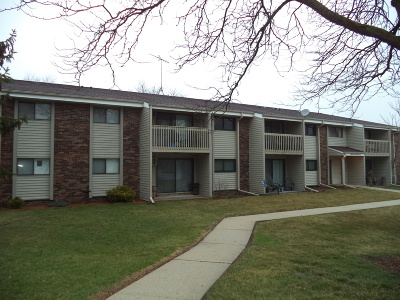 West Bend Condo/Townhouse For Sale: 625 Westridge Dr #8