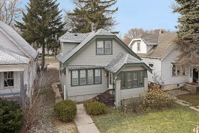 Milwaukee Single Family Home For Sale: 5269 N 37th St
