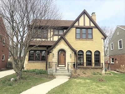 Milwaukee Single Family Home For Sale: 315 N Pinecrest St