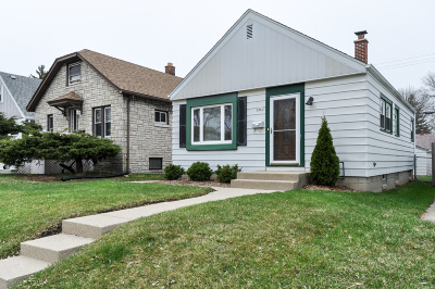 Milwaukee County Single Family Home For Sale: 2441 S 75th St