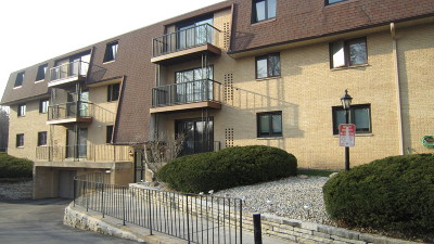 Milwaukee Condo/Townhouse For Sale: 3239 S 58th St