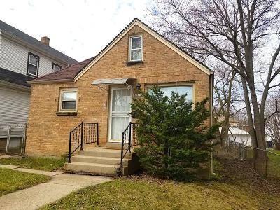Milwaukee Single Family Home For Sale: 4623 N 38th St