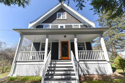 Mequon Single Family Home Active Contingent With Offer: 8120 W Mequon Rd
