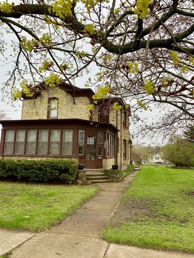 East Troy Single Family Home For Sale: 2034 Division St