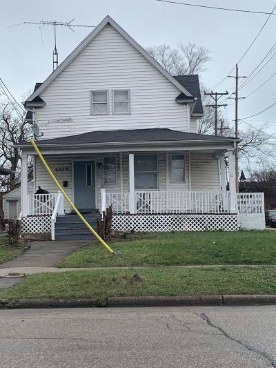 Kenosha Single Family Home Active Contingent With Offer: 6039 14th Ave