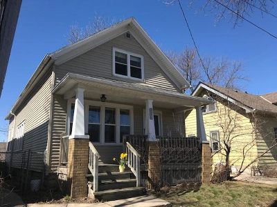 Milwaukee Single Family Home Active Contingent With Offer: 2211 S Robinson St