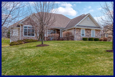 Menomonee Falls Single Family Home Active Contingent With Offer: W218n5426 Taylors Woods Dr