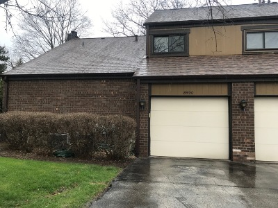 Milwaukee Condo/Townhouse Active Contingent With Offer: 8590 N Servite Dr #4