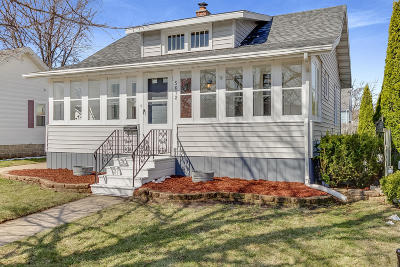 Kenosha Single Family Home Active Contingent With Offer: 5612 42nd Ave