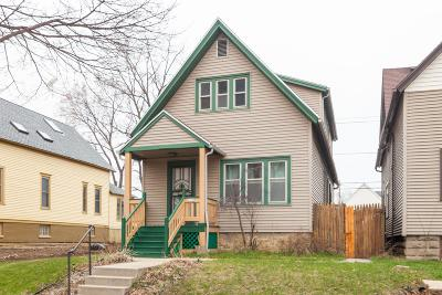Milwaukee County Single Family Home For Sale: 3218 W Mount Vernon Ave