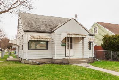 Milwaukee County Single Family Home For Sale: 6645 W Constance Ave