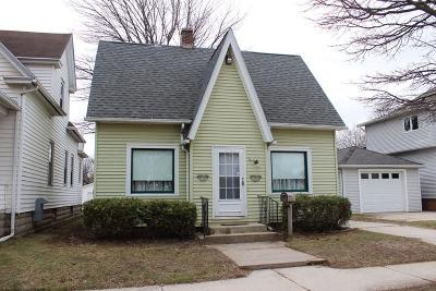 Sheboygan Single Family Home Active Contingent With Offer: 831 Union Ave