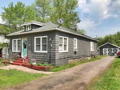Niagara Single Family Home For Sale: 1341 River St
