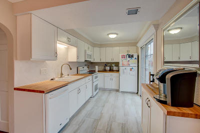 Single Family Home For Sale: 1345 Post Rd