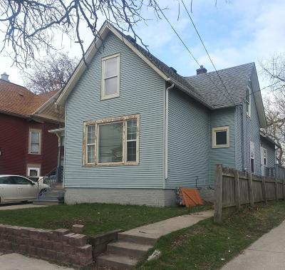 Racine Single Family Home For Sale: 396 Cliff Ave