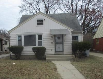 Milwaukee County Single Family Home For Sale: 4428 N 41st St
