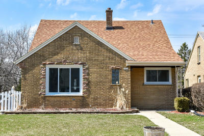 Milwaukee County Single Family Home For Sale: 3835 N 100th St