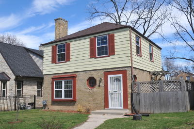 Milwaukee County Single Family Home For Sale: 3952 N 53rd St