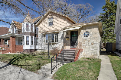 Racine Single Family Home For Sale: 1525 Holmes Ave