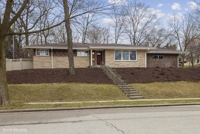 Waukesha Single Family Home For Sale: 1207 E Wabash Ave