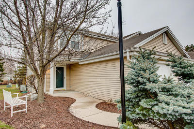 Waukesha Condo/Townhouse For Sale: 2157 E Broadway #A