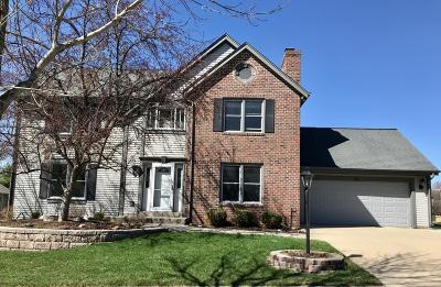 Waukesha County Single Family Home For Sale: 1254 Highpoint Ln