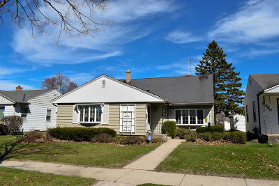 Milwaukee County Single Family Home For Sale: 3744 N 78th St