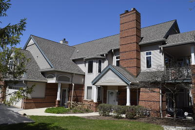 Milwaukee County Condo/Townhouse For Sale: 3158 S Toldt Pkwy