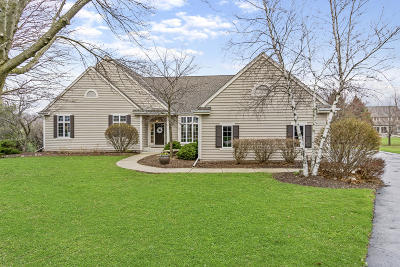 Pewaukee Single Family Home Active Contingent With Offer: W299n1866 Windridge Ct