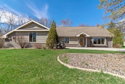 Muskego Single Family Home Active Contingent With Offer: S78w17922 Kristin Dr