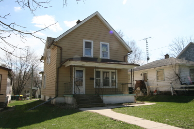 Hartford Single Family Home For Sale: 525 E Loos St