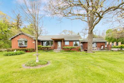 Lake Geneva Single Family Home For Sale: N2273 S Lakeshore Dr