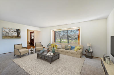 Mequon Single Family Home Active Contingent With Offer: 8308 W Sunnyvale Rd
