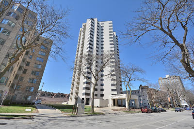 Milwaukee Condo/Townhouse For Sale: 1633 N Prospect Ave #18B