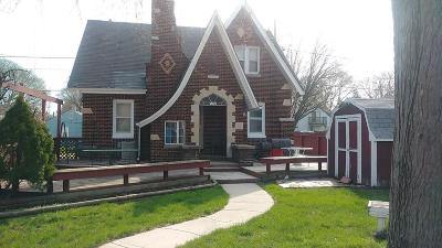 Milwaukee Single Family Home For Sale: 5026 N 25th St