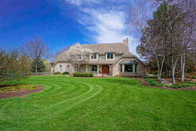 Pewaukee Single Family Home Active Contingent With Offer: W237n3160 Littlefield Ct
