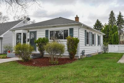 Milwaukee WI Single Family Home For Sale: $104,900