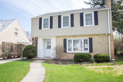 Wauwatosa WI Single Family Home For Sale: $339,900