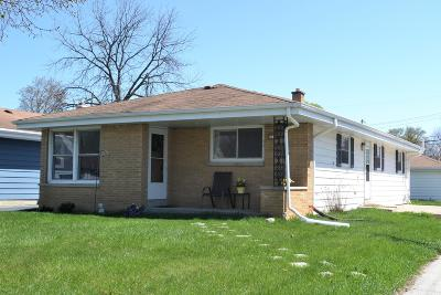 Wauwatosa WI Single Family Home For Sale: $189,900