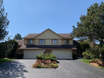 Mequon Condo/Townhouse Active Contingent With Offer: 1531 W Greenbrier Ln