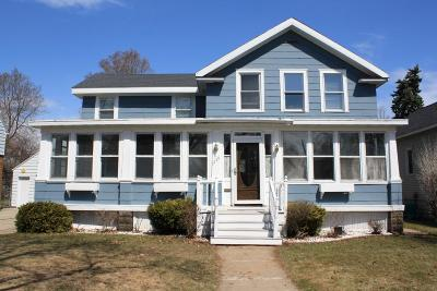 Marinette Single Family Home Active Contingent With Offer: 1448 Newberry Ave