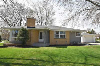 Menomonee Falls Single Family Home Active Contingent With Offer: N86w17229 Joss Pl