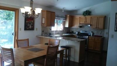 New Berlin Single Family Home For Sale: 12505 W Barbary Ct