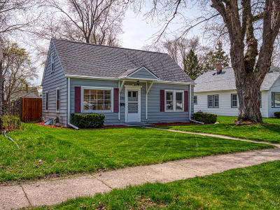 Waukesha Single Family Home Active Contingent With Offer: 329 Palmer St