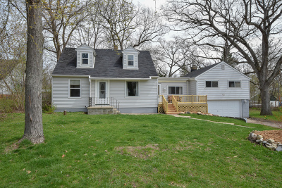 East Troy Single Family Home Active Contingent With Offer: N9130 Ash St