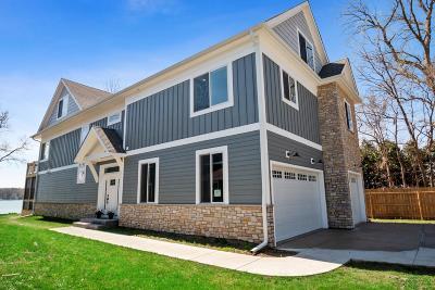 Kenosha County Single Family Home For Sale: 35 Roseanne Ct