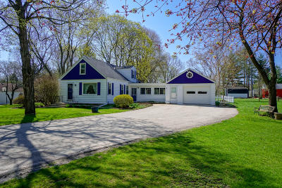 Oconomowoc Single Family Home Active Contingent With Offer: W34605 Mariner Cir