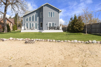Kenosha County Single Family Home For Sale: 415 Lakeview Ave