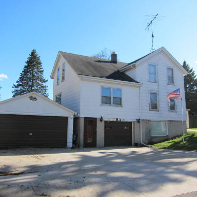 Sheboygan Falls Single Family Home Active Contingent With Offer: 523 Washington St