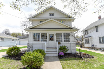Waukesha Single Family Home Active Contingent With Offer: 1113 Ellis St